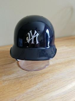 New York Yankees Baseball Rawlings Mini Helmet with Stand an